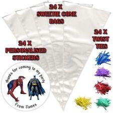 Carta da regalo e accessori rossi sul Spider-Man