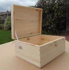 PINE WOOD- WOODEN BOX WITH LID &  CLASP STORAGE FOR ART CRAFT/ DECOUPAGE