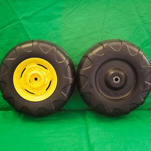 ** NEW ** Peg Perego John Deere Power Pull / Loader Front Wheel Set (2 Tires)