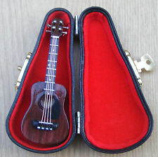 1:12 Scale Wooden Acoustic Guitar With A Case Tumdee Dolls House Instrument 562