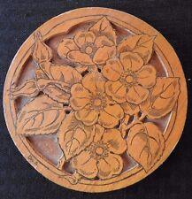 """c.1900 FLEMISH ART COMPANY """"FLOWERS"""" SIGNED """"Des. E."""" 5 3/4"""" Round WOOD BURNING"""