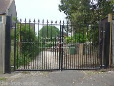 # WOOTTON DOUBLE DRIVEWAY WROUGHT IRON GATES 6' TALL X 9FT HEAVY DUTY DOGS PETS