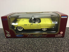Ford Thunderbird 1955 1:18 Road Legends