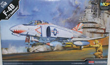 Academy Plastic model Set 1/48 F-4B VF-111 Sundowners #12232