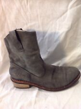 Ladies Grey Ankle Leather Boots Size 39