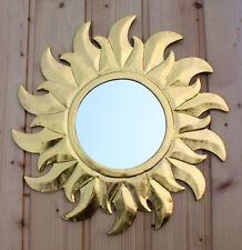 Deko spiegel im landhaus stil aus holz f rs schlafzimmer for Sonnenspiegel silber