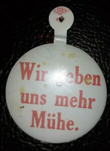"""Vintage Avis""""We Try Harder""""Pin Back Button German Version Feature Plymouth Cars"""