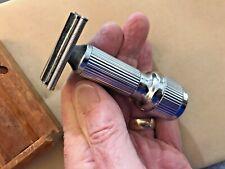 Vintage Stahly Live Blade Safety Razor and Locking Wood Case Works