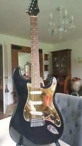 Samick strat ls-10 -guitar in jet black