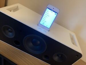 Apple Hi Fi Speaker A1121 Sound Docking station Lovely Sound iPod Touch included