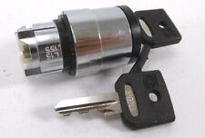 SCHNEIDER ELECTRIC ZB4 BG320 Wahlschalter mit Schlüssel | 3. Stellungen