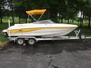 2005 Chaparral 210Ssi Bowrider Single Inboard/Outboard Mercruiser 5.7L