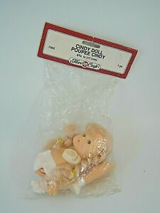VINTAGE CINDY DOLL 6.75 IN 17.1 CM  BY FIBRE CRAFT BLONDE HAIR NO. 7465 (LEY)