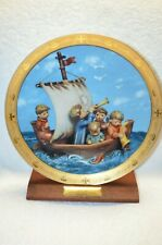 Hummel Plate 23K Trim (Land In Sight) 10 Inches Danbury Mint With Wood Stand