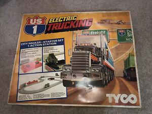Tyco Palitoy US1 Electric Trucking City Hauler Starter Set 1 Action Station