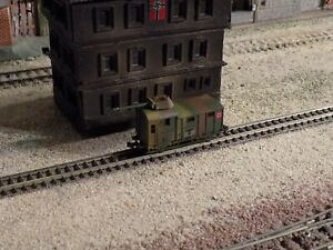 ARNOLD, WWII MILITARY ARMED WAGON WITH LOAD, SCALE N