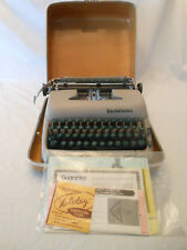 vintage typewriter Smith Corona Super Silent 5t569232x 1957 green keys