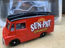 Lledo Sun Pat Crunchy Morris LD150 Van #