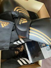 Chaussures de boxe ADIDAS et gants de boxe ADIDAS T43  + mitaines sous gants