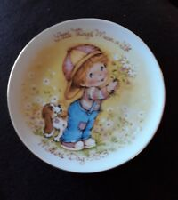 Vintage Avon 1983 Porcelain Plate. Little Things Mean a Lot - Mothers Day.