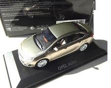Opel Astra   .. 1:43  Gold met.  .. Minichamps  .. OVP #1392