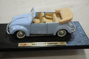 Maisto 1951 Volkswagen Cabriolet 1/18 Scale With Stand Lite Blue