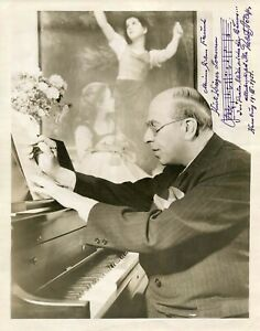 COMPOSER Robert Stolz +75, vintage photo with an autograph musical quotation sig