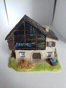 Maison miniature en résine peinte main Briançon 05 maquette train creche decor