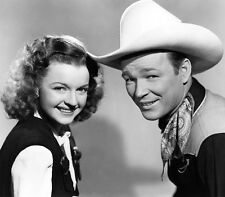 Dale Evans and Roy Rogers UNSIGNED photo - B2768 - The Yellow Rose of Texas