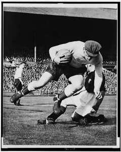 England's Goalkeeper,Frank Swift,Scotland's Laurie Reilly,Soccer Match,Wem 4933