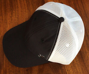NWOT MISSION Instant Cooling Hat- Unisex Baseball Cap Cools When Wet-Black/White