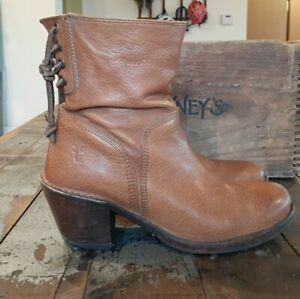 Frye #76330 Honey Brown Leather Carmen Short Ankle Boots Women's sz 6