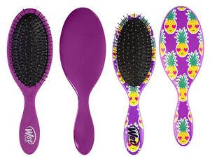 WET BRUSH ORIGINAL DETANGLER HAIR BRUSH PURPLE & SMILEY PINEAPPLE