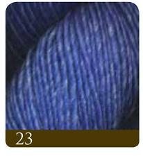 Filati blu in seta per hobby creativi