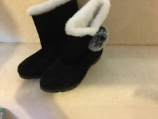 Lovely NEW BLACK Boots Size 4