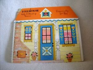 """VINTAGE HALLMARK PLAY-A-ROUNDS """"A DOLLHOUSE WITH 4 STAND-UP ROOMS"""" POP-UP BOOK!"""