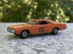Ertl DUKES OF HAZZARD GENERAL LEE Die Cast Car 1/64 Warner Bros 1981