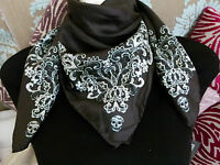 Alexander McQueen black pure silk scarf with white skull and lace pattern - NEW