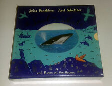 JULIA DONALDSON: ROOM ON THE BROOM + SNAIL & THE WHALE: BOARD BOOK GIFTSET NEW/S