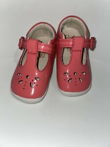 Clarks baby girls  patent leather shoes Size 3.5 G New