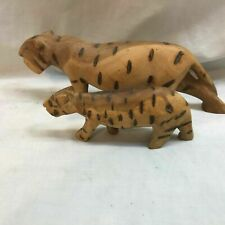 Wooden Hand Carving Mother and Cub Leopard