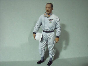 STIRLING  MOSS  1/18  FIGURE  VROOM  PAINTED  FOR  MERCEDES  CMC  CMR  SPARK