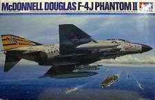 Tamiya 1/32 F-4J Phantom II # 60306