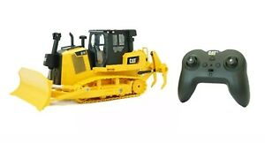 Diecast Masters Real Replica RC Control CAT D7E Track Type Tractor 1:24 Scale