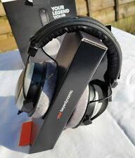 BEYERDYNAMIC DT 880 PRO HEADPHONES IN VERY NICE CONDITION - 250 ohm MODEL