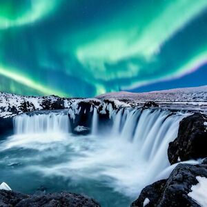 Nautilus Wooden Puzzles: Northern Lights Over Godafoss, Iceland - 200 Pieces