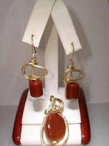 VINTAGE ARTISAN CRAFTED GOLD FILLED WIRE WRAPPED CARNELIAN PENDANT & EARRINGS!