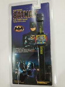 RARE VTG TIGER ELECTRONICS BATMAN LCD VIDEO GAME WATCH 1989 NEW FACTORY SEALED