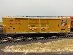 HO scale Athearn Union Pacific Boxcar