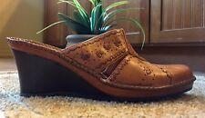CLARKS Artisan Collection Slip-On Leather Wedge Slide Sandals Size 9.5 Comfort